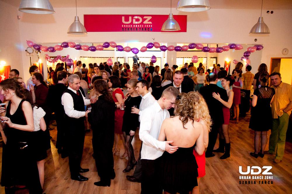 UDZ - Tańcz w Wielkim mieście! Zabawa do samego rana! To lubimy! Relacja z Sylwestra 2011 w UDZ